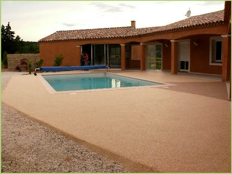 terrace and contours of swimming in carpet Stonespire of marble color rosso verona
