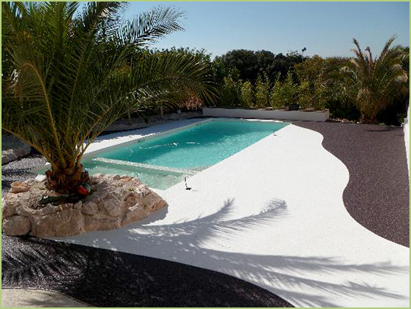 the small paradise in white marble of Carrara